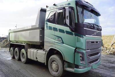VOLVO FH16 650 8x4 tridem maansiirtoauto