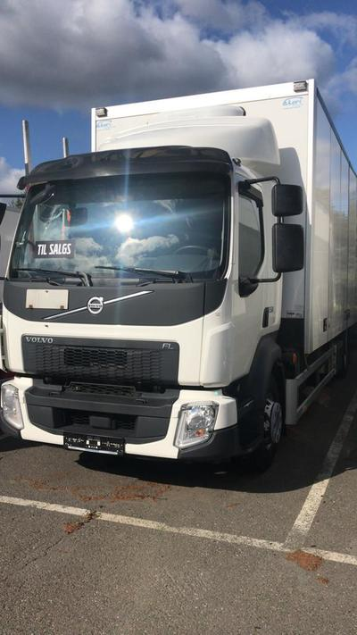 VOLVO FL240 Box with lift and heat